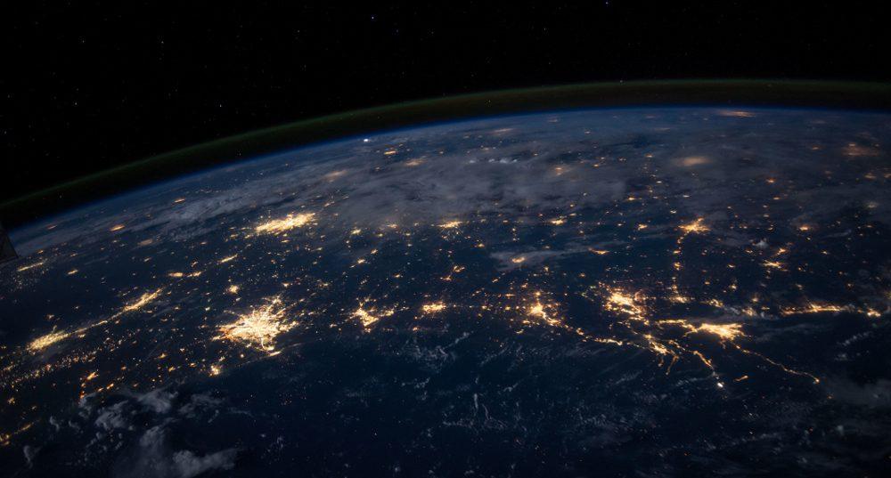 Lumières des villes visible depuis l'espace.
